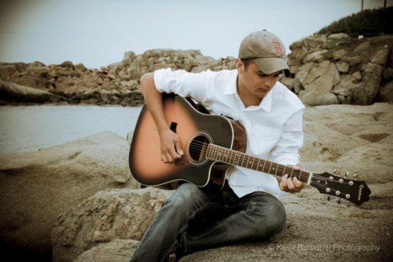 tim-buono-pic-w-guitar-768x512